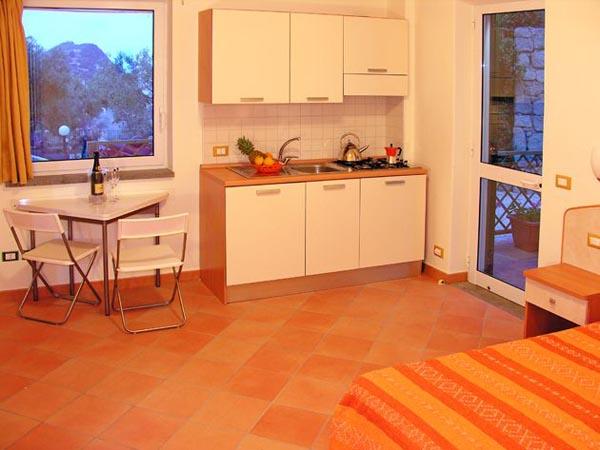 Appartamenti pietra verde for Appartamenti ischia